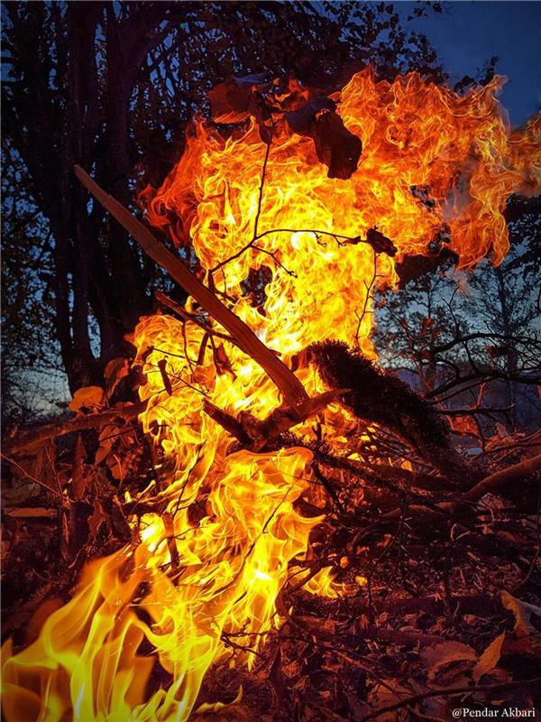 هنر عکاسی دود و آتش Pendar Akbari عکاسی با موبایل به علت جا گذاشتن مموری دوربین در منزل. سامسونگ اس 7 اج