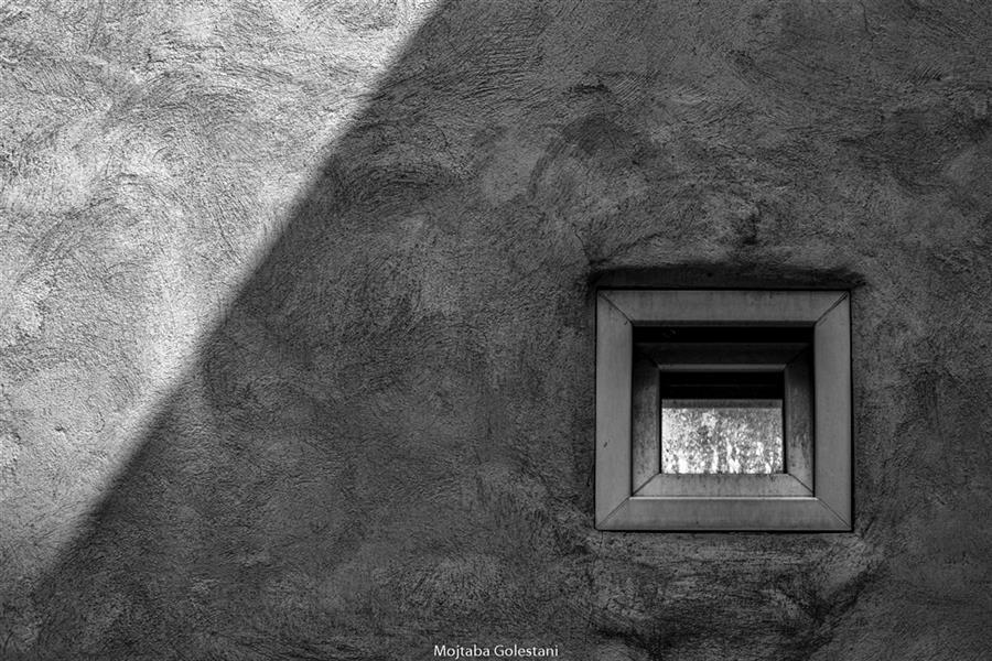 هنر عکاسی محفل عکاسی مجتبی گلستانی #پنجره #سیمان #تنها #سایه #روشن