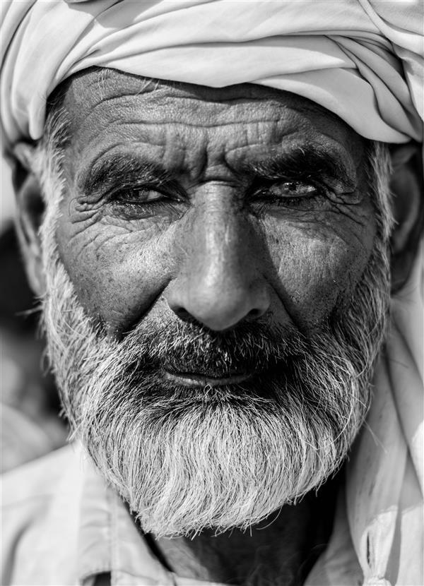 هنر عکاسی محفل عکاسی fares moghadam این تصویر مربوط به یک زائر هندی است که از هند تامرز شلمچه برای زیارت کربلا سفر کرده