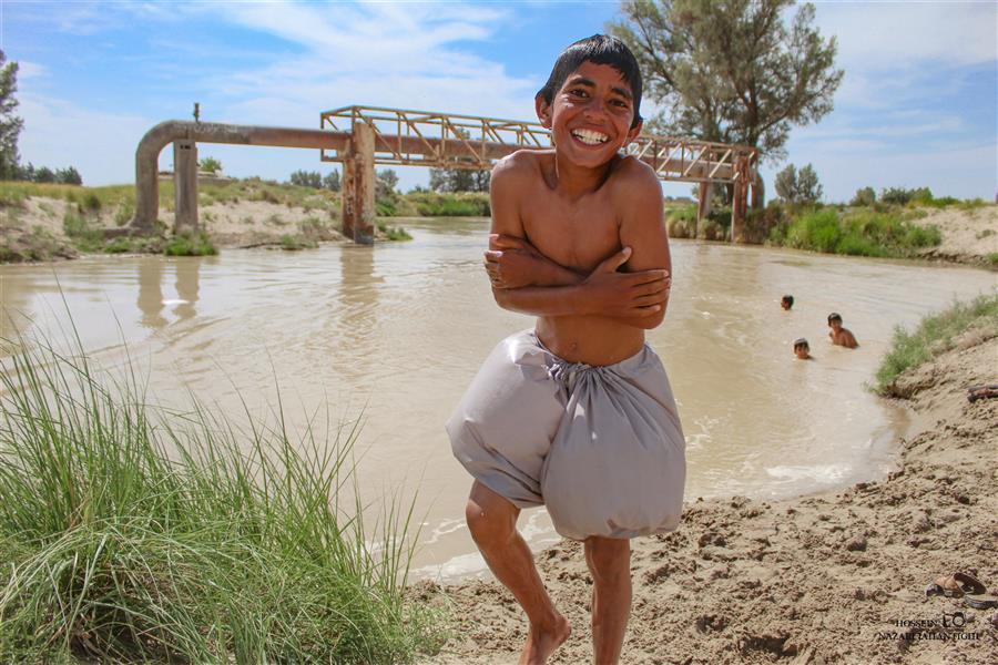 هنر عکاسی محفل عکاسی حسین نظری جهانتیغی با افزایش دما و آمار بالای مبتلایان به #کرونا و کمبود استخر در استان؛ نوجوانان و جوانان برای فرار از گرما و هزینه های بالای استخر به رودخانه های محلی پناه آورده اند  #شنا #سیستان #هیرمند #هامون #لبخند_بزن