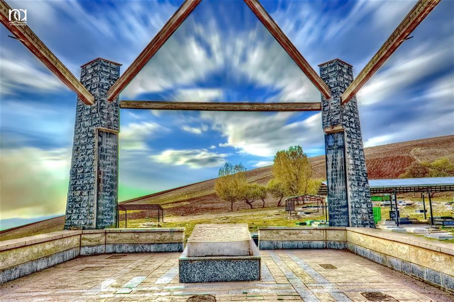 هنر عکاسی محفل عکاسی nader akbarpour(mezgana) آرامگاه ملامنوچهر کولیوند شاعر و عارف الشتری واقع در روستای بتکی