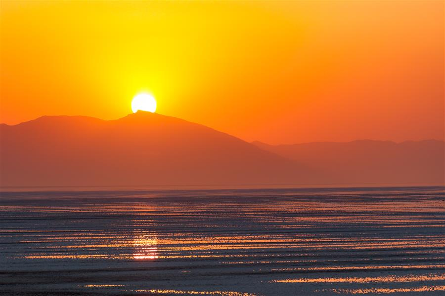 هنر عکاسی محفل عکاسی جواد محمدی دریاچه ی ارومیه  ابعاد ۷۰×۵۰