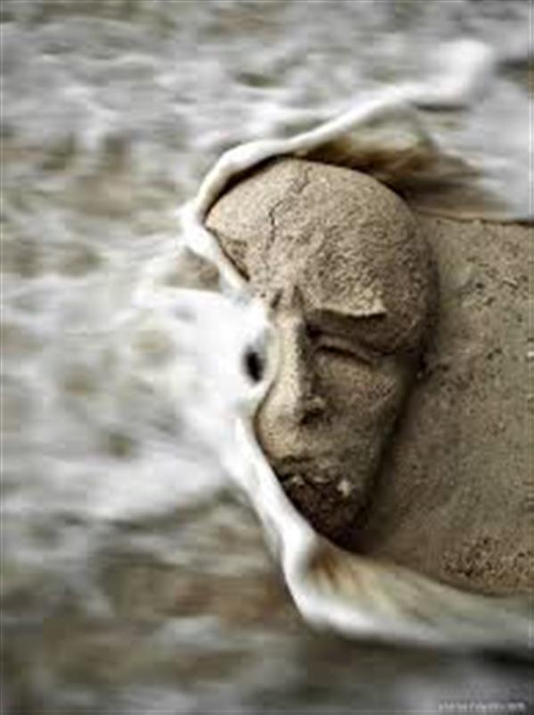 هنر عکاسی محفل عکاسی seena nayeri عکس مجسمه شنی ساحل جزیره گیلی اندونزی