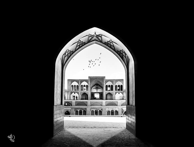 هنر عکاسی محفل عکاسی روح اله مصطفی نژادی مسجد آقا بزرگ کاشان ابعاد 50*70 کاغذ سیلک شاسی 16 میل