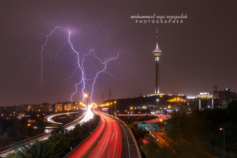هنر عکاسی محفل عکاسی محمدرضا رضازاده برج میلادوصاعقه 2