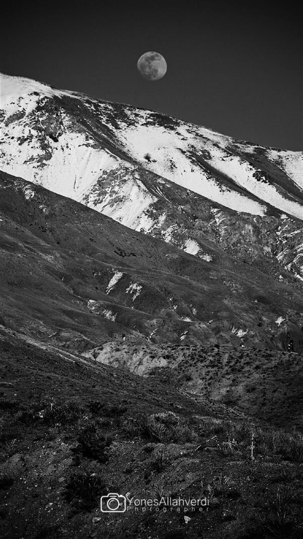 هنر عکاسی محفل عکاسی یونس اله وردی مثل ماه در دستانت