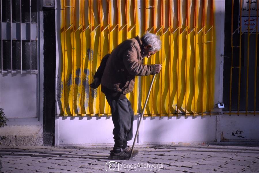 هنر عکاسی محفل عکاسی یونس اله وردی پیرمرد رهگذر
