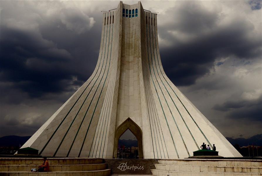 هنر عکاسی محفل عکاسی حسین خرمشاهی برج آزادی  ۵۰در۷۰ شاسی