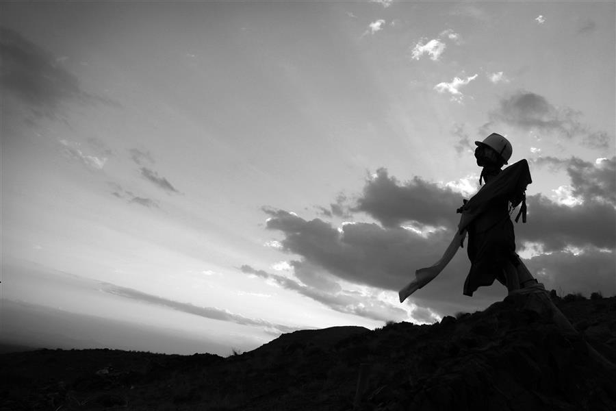 هنر عکاسی محفل عکاسی حامد سیامکی #مترسک #سیاه_سفید #غروب #آسمان