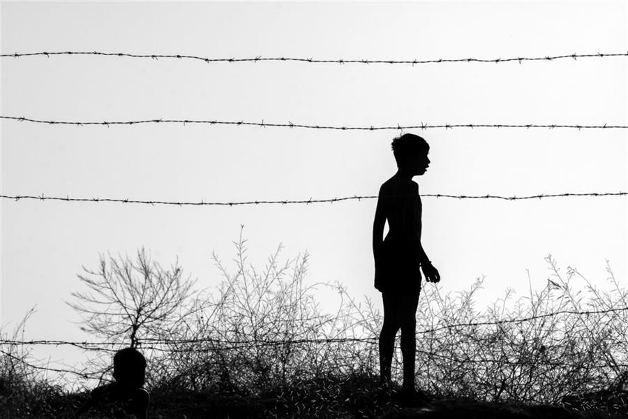 هنر عکاسی محفل عکاسی محمد پوریانی #street_photography#blackandwhite#bnw#silloette#shadow#dark#coceptual#landscape