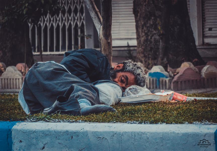 هنر عکاسی محفل عکاسی علی صفرنژاد نام هنرمند:علی صفرنژاد سال خلق اثر:۱۳۹۹  نام اثر : هیچ #عکاسی# عکاسی_ اجتماعی