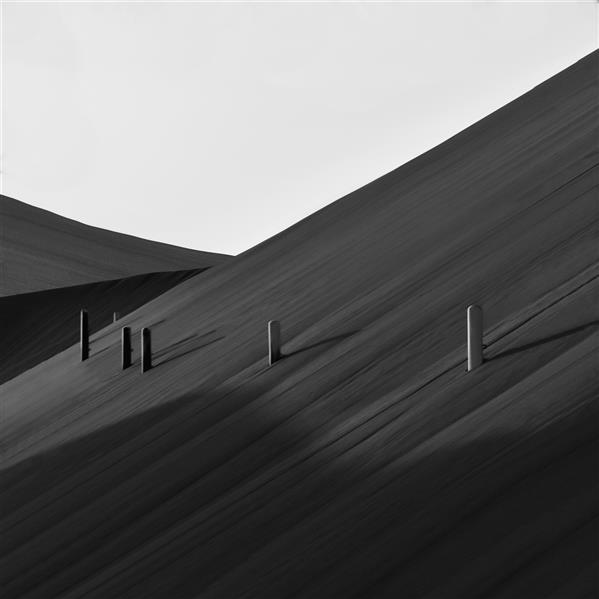 """هنر عکاسی محفل عکاسی مانی غلامشاهزاده این عکس در سال 1400 در صحرا گرفته شده است  نام اثر """" قدم میله ها """"  نام هنرمند : مانی غلامشاهزاده"""