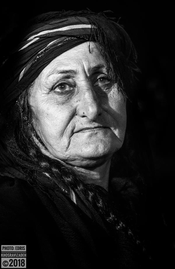 هنر عکاسی محفل عکاسی Edris Khosravizadeh مادربزرگ سایز 50*70 کاغذ سیلک روی شاسی