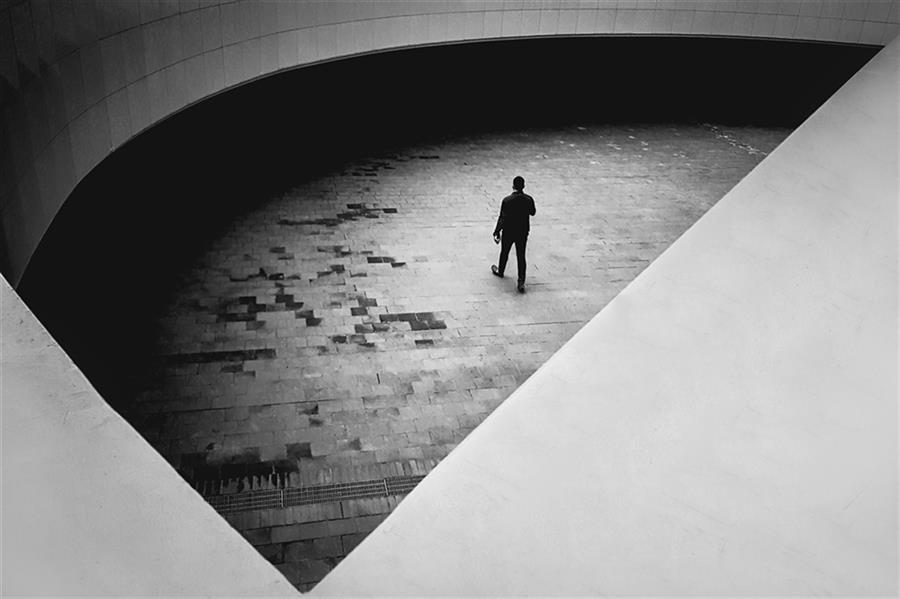هنر عکاسی محفل عکاسی محمد دادستان Darkness to Darkness ... #مینیمال #خیابانی #آرت #مونوکروم #مفهومی