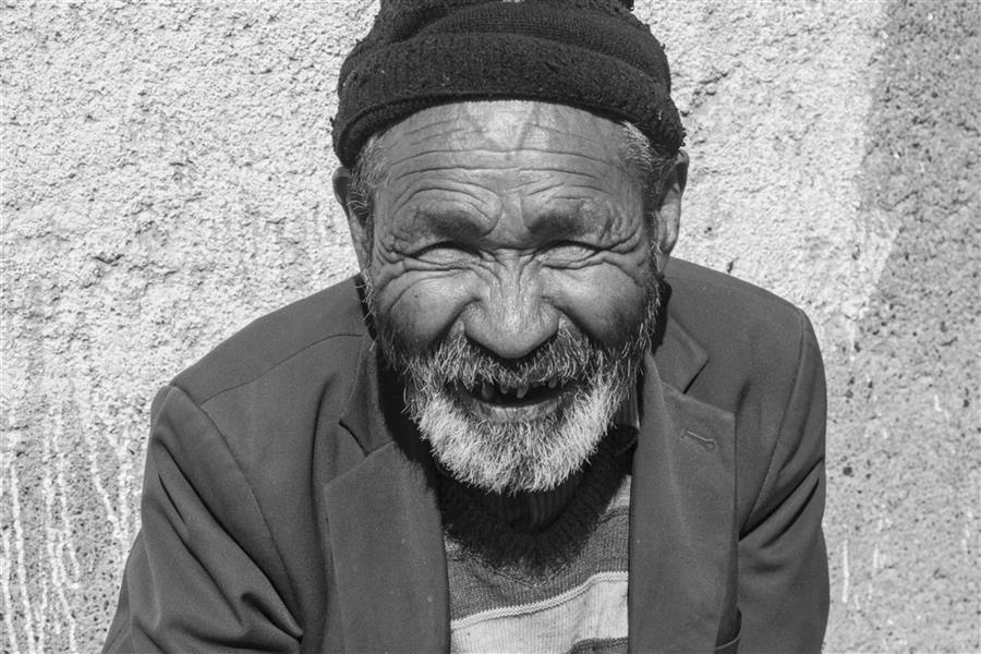 هنر عکاسی محفل عکاسی حنانه جهان یار Photowalk mashhad 2017  بلوار گلشهر مشهد پرتره پیر مردی خوش قلب