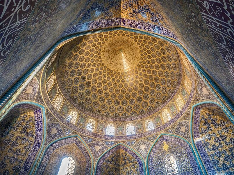 هنر عکاسی محفل عکاسی علی خوانین سقف یکی از مساجد اصفهان در سال 1397 به ثبت رسیده است.
