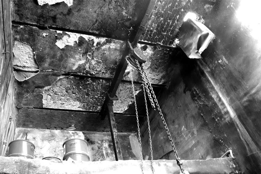 هنر عکاسی محفل عکاسی مهرنوش ظهوریان  محل سنتی رنگرزی نخ که مدتهاست از بین رفته است... نوغان/مشهد
