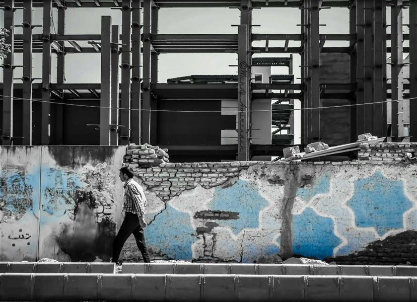 هنر عکاسی محفل عکاسی مهدی امیرزاده نام اثر:کنتراست در معماری… Contrast in architecture!… #conceptualphotography #streetphotography #street_photography #fineart#photographer