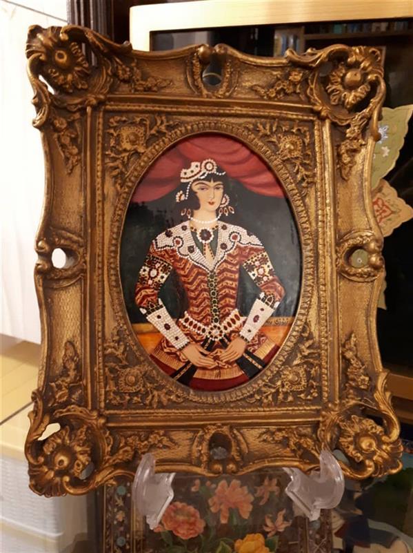 هنر نقاشی و گرافیک محفل نقاشی و گرافیک آناهیتا زنوزی #نوازنده#زن#قاجاری#لاکی ابعاد با قاب : ۲۵×۲۰ سانت  قاب رزین