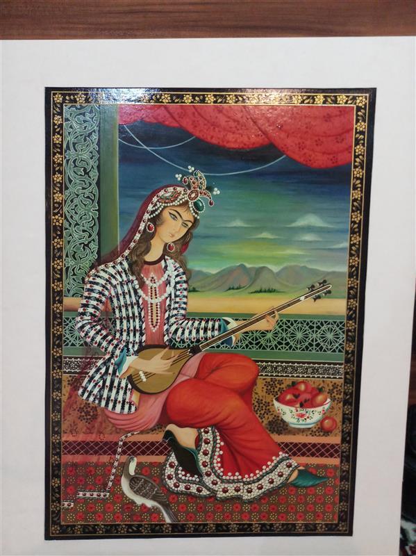 هنر نقاشی و گرافیک محفل نقاشی و گرافیک سمیه جلالیان طرقی  زن نوازنده#سبک قاجار#گواش گواش روی ماکت هلندی #لاکی#سایزA3