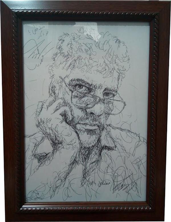 هنر نقاشی و گرافیک محفل نقاشی و گرافیک سید علی مهدوی چهره خودم از روی آینه کشیده ام  سفارش با این سبک پذیرفته می شود. تلفن تماس 09128173431 قیمت با قاب در اندازه A4  مبلغ  159000