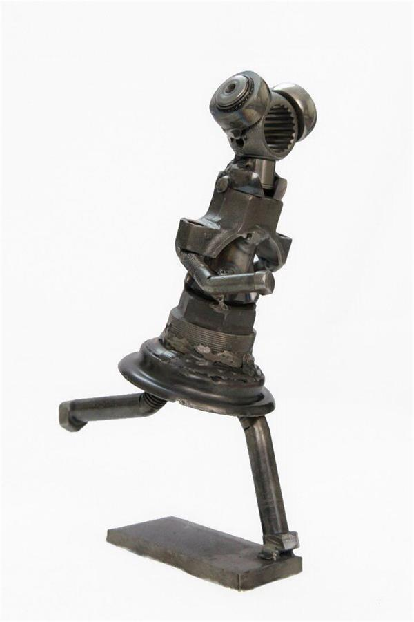 هنر سایر محفل سایر هنر ها مرتضی رضایی دخترک شاد #مرتضی_رضایی #مجسمه #قطعات #بازیافتی #خودرو #رضایی #مجسمه_ساز #morteza_rezaee #sculptor #sculptur