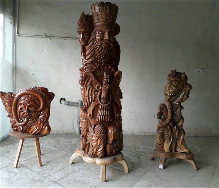 هنر سایر محفل سایر هنر ها محسن الله مرادی مجمعه از کارهای حجمی با نام عشق وترس روزگار و انسان نژدها  که به ترتیب روتنه درخت گردو و چنار کار شده است طراحی ذهنی مفهومی