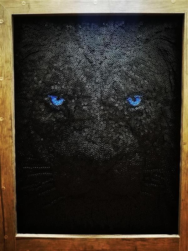 هنر سایر محفل سایر هنر ها مرتضی زارع شیرازی صورت برجسته شیر با استفاده از 17000 پیچ ابعاد 1mمتر در  70cm   وزن 28 کیلوگرم زمان کار بر روی اثر 75 روز