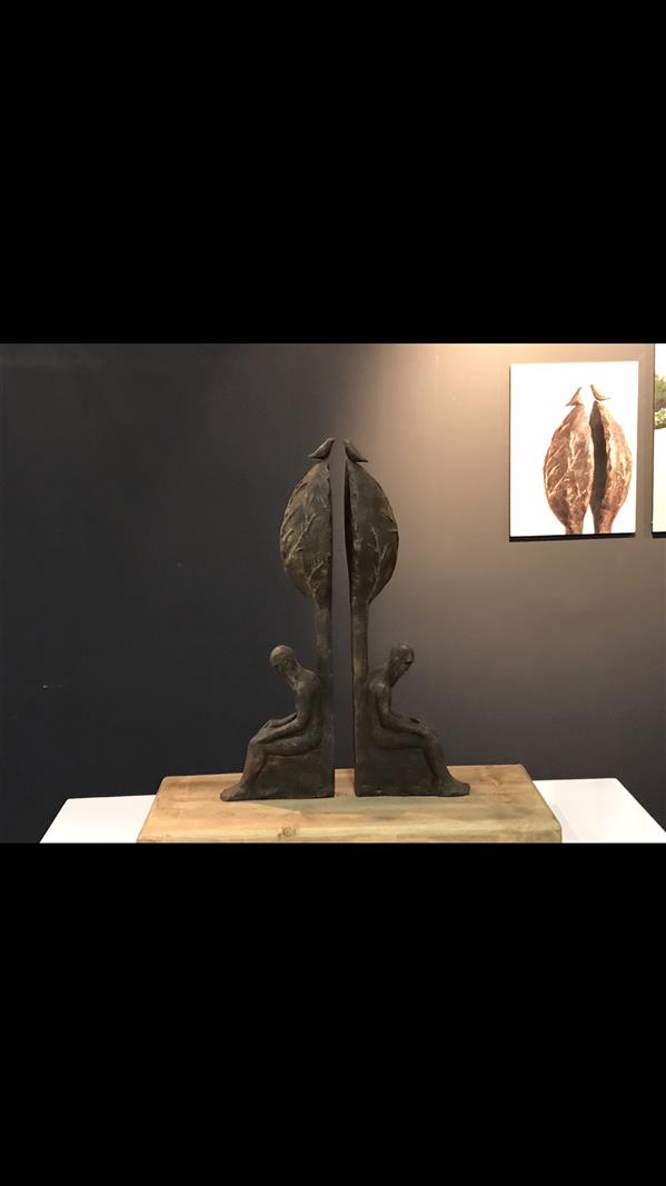 هنر سایر محفل سایر هنر ها احد قاضی عنوان اثر:خلسه متریال:بتن گلاسه ابعاد: ٥٠*٤٠*٣٠