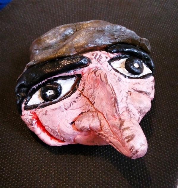 هنر سایر محفل سایر هنر ها vida nooralipoor #بدون عنوان. # مجسمه . تركيبي از ارد ذرت و چسب چوب.