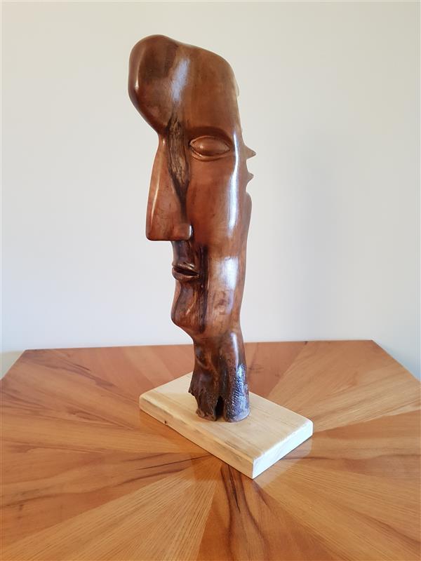 هنر سایر محفل سایر هنر ها فراز حسینی اثر#دست ساز بوده،طول ۴۵وعرض ۱۷ سانتی متر،بدون رنگ و در دسته هنر های تجسمی،حاضر در ۲ نمایشگاه هنر های تجسمی. ساخته شده از چوب درخت های جنگلی.