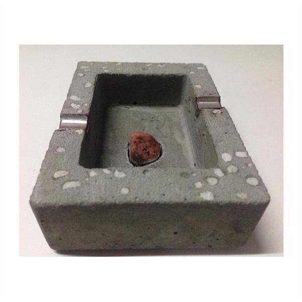 هنر سایر محفل سایر هنر ها رضا جلوس زیر سیگاری بتنی-فویل الومنیوم-سنگ تراش خورده وسط کار-بتن تراش و سمباده خورده