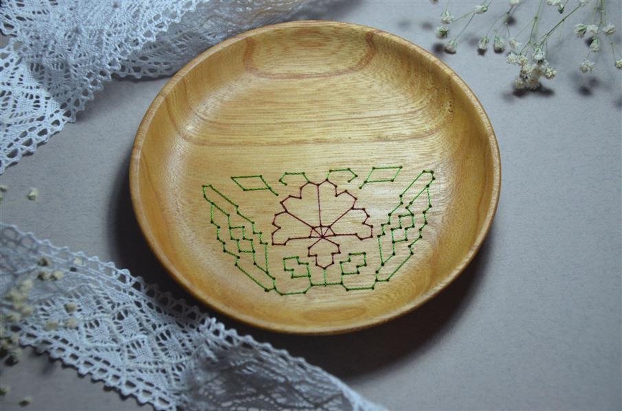 هنر سایر محفل سایر هنر ها neginkhosraviyani سوزن دوزی بر روی چوب پیش دستی متریال: چوب افرا