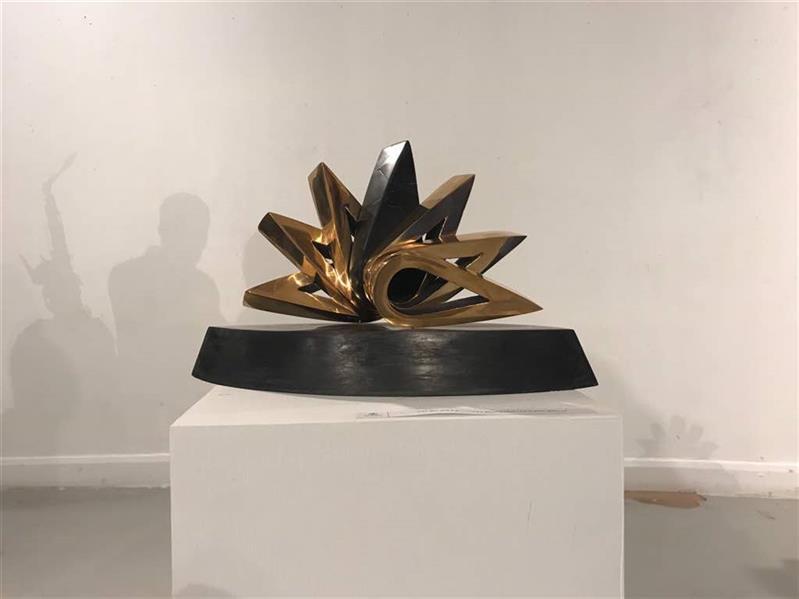هنر سایر محفل سایر هنر ها لیلا سبیانی سنگ و برنز سال ساخت: ۹۷ از مجموعه سرو لیلا سبیانی