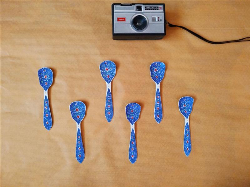 هنر سایر محفل سایر هنر ها کیانا گل پرداز  نام هنرمند : کیانا گل پرداز سال خلق اثر : 1399 قاشق بستنی خوری میناکاری