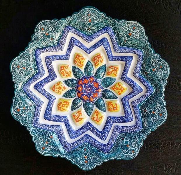 هنر سایر محفل سایر هنر ها کیانا گل پرداز  نام هنرمند : کیانا گل پرداز میناکاری #میناکاری #مینای_شیراز #مینای_کیانا #کیانا_گلپرداز #اسلیمی #مس سال خلق اثر : 1398