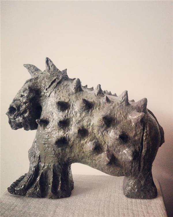 هنر سایر محفل سایر هنر ها زهرانجفی نام اثر:کرگدن _زهرا نجفی متریال:خمیرچوب#خمیرکاغذ وزن مجسمه حدودی: ۳kg