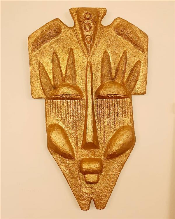 هنر سایر محفل سایر هنر ها زهرانجفی صورتک دیوار کوب  نام اثر: لیلی زمانه