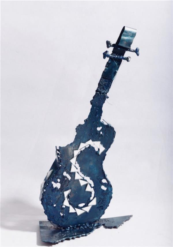 هنر سایر محفل سایر هنر ها شهناز اسکندری از مجموعه گیتارها #هنربازیافت فلزات# فلز و آینه  ۱۳۹۸ شهناز اسکندری