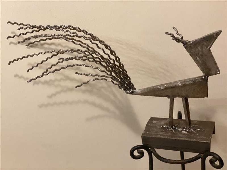 هنر سایر محفل سایر هنر ها شهناز اسکندری ضایعات فلزی سال:۱۴۰۰ نام اثر: پرنده گبه هنرمند: شهناز اسکندری
