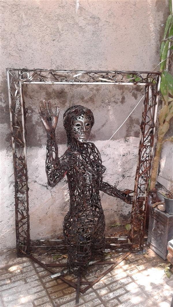 هنر سایر محفل سایر هنر ها مجید ایروانی ضایعات فلزی سیم و ورق. 1399 مجید ایروانی  مجسمه خداحافظی عشق.