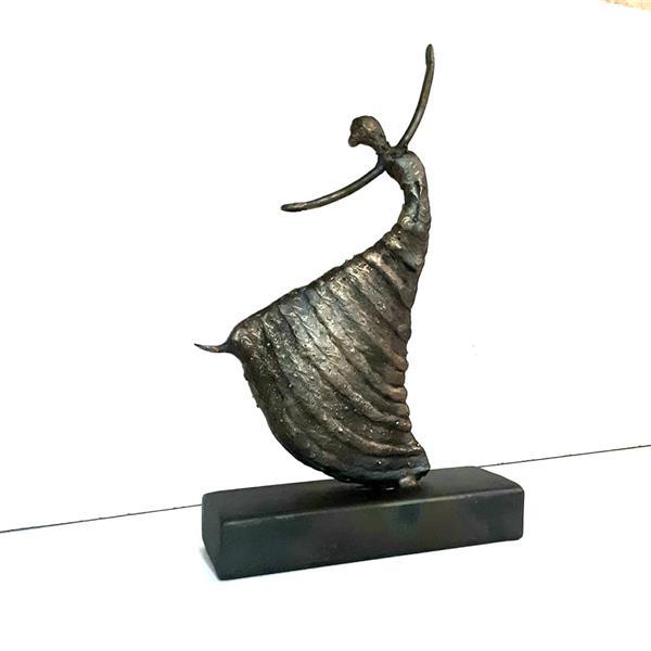 هنر سایر محفل سایر هنر ها محمدرضا صالحی نام اثر : رقصنده والس