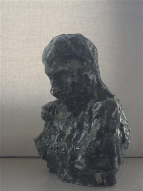 هنر سایر محفل سایر هنر ها Soheil Azhary نیم تنه مرد، سرامیک توپر لعاب دار، ارتفاع: حدودا ۱۵-۲۰ سانتیمتر.