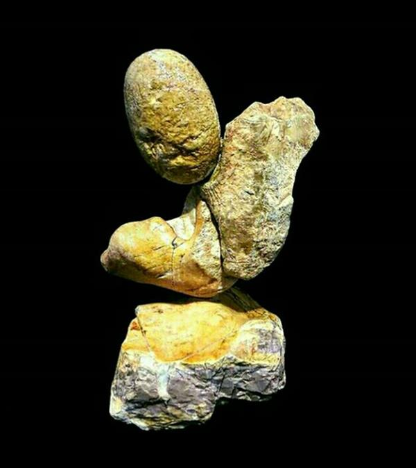هنر سایر محفل سایر هنر ها اشکان ملک پور مجسمه سنگی   ارتفاع ۳۰ cm  طول ۱۵ cm عرض ۱۰  cm  #اشکان_ملک_پور  #stone_wood_art  #stone_ Sculpture