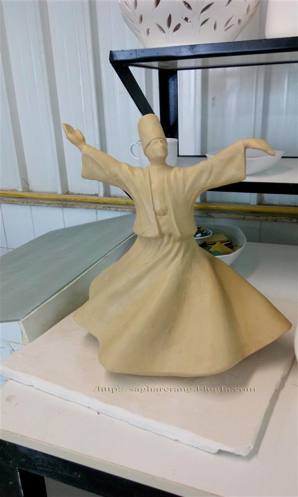 هنر سایر محفل سایر هنر ها حسین خیرآبادی تندیس رقص سماع بصورت چینی شده در پخت ۱۴۰۰ درجه موجود است #مجسمه_سازی #مجسمه #نقاشی #سیاه_قلم