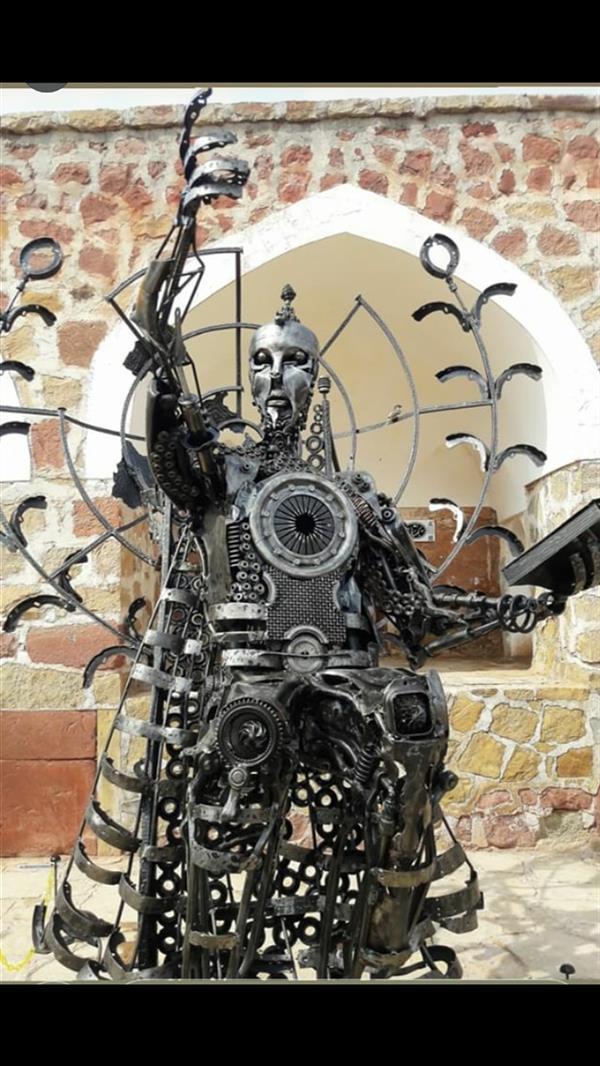 هنر سایر محفل سایر هنر ها فرزاد نیایی فر  مجسمه صلح  جهانی     به ارتفاع ۳متر  ×۲۶۰×۲۳۵   وزن ۴۸۰kg  تعداد قطعه بیش از ۳۰۰۰  موضوع مفهومی  ثبت شده