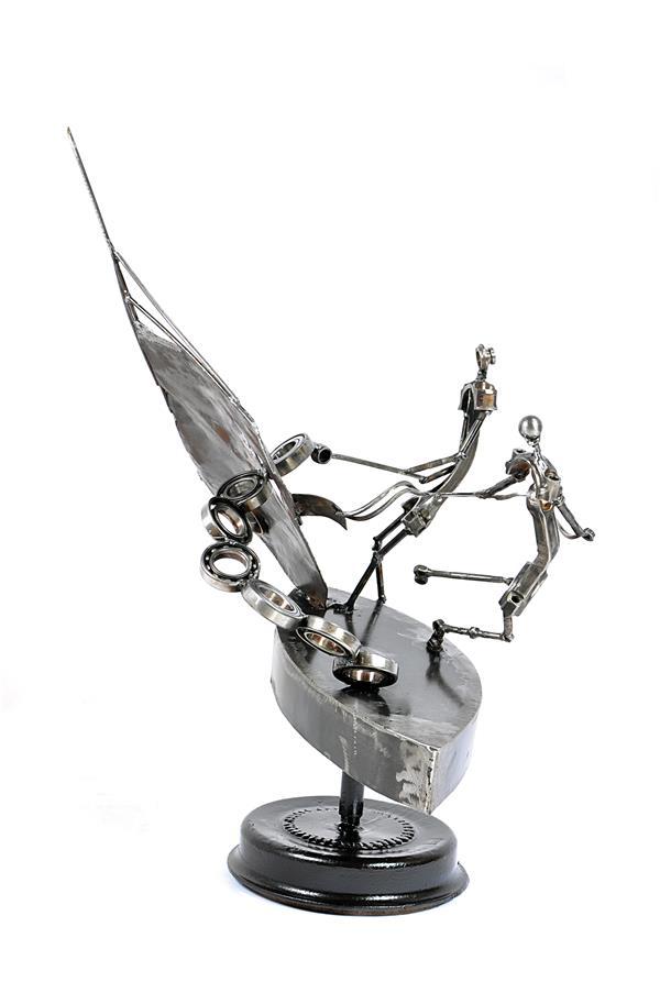 هنر سایر محفل سایر هنر ها فرزاد نیایی فر  موضوع  بیا تا گل برافشانیم    ارتفاع ۶۵×۵۵×۴۵ به وزن  ۹kg  مجسمه مفهومی  فرزاد نیایی فر