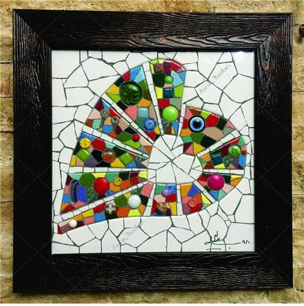 هنر سایر محفل سایر هنر ها محمدامین بدیعی قلب ، ساخته شده از قطعات مختلف سرامیک ، دکمه ، شیشه ، کلید و . . . اندازه کار 40 در 40 سانتی متر