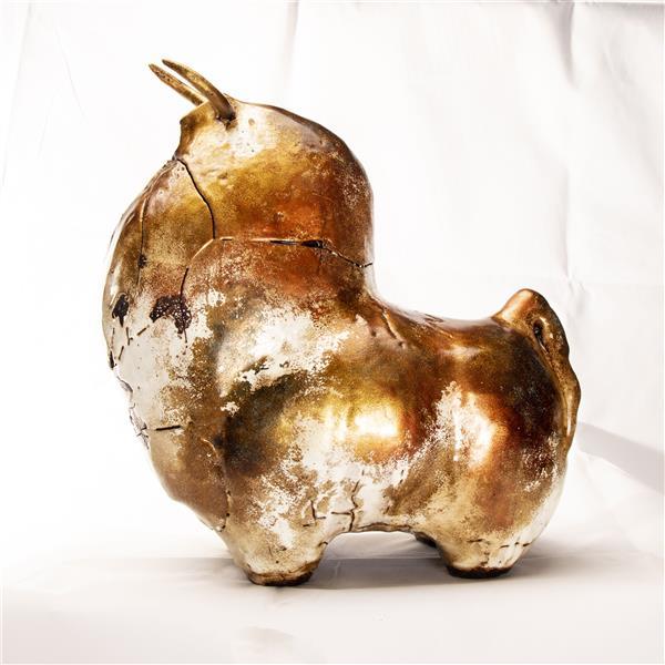 هنر سایر محفل سایر هنر ها علی حیدریان - Ali Heidarian مجسمه سفالی دست ساز این مجسمه کاملا دست ساز بوده و فقط یک عدد تولید شده. جنس سفال. رنگ لعاب و اکریلیک.