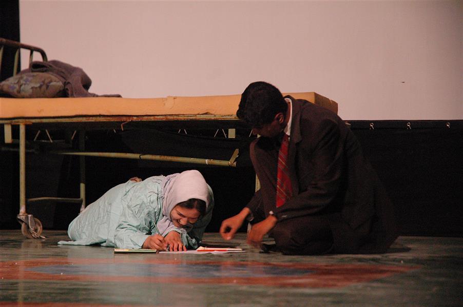 هنر سایر محفل سایر هنر ها  key mahmoud khoramazadi کارگردانی نمایش عطر رزهای زرد
